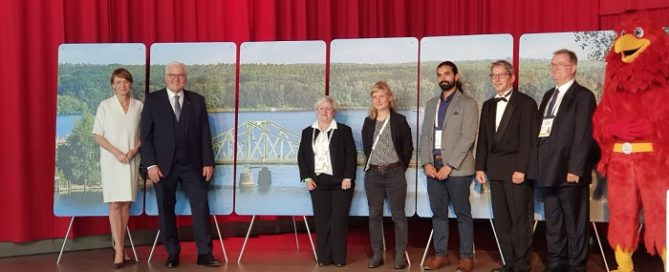 Der Bundespräsident und seine Gattin empfangen die brandenburgische Bürgerdelegation in der Metropolishalle