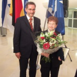 Ministerpräsident a.D. Matthias Platzeck mit Batsheva Dagan
