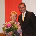 Ministerpräsident a.D. Matthias Platzeck mit Birgit Uhlworm