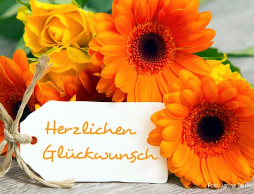 Rückkehrerin und Ehrenamtlerin mit Leib und Seele:  Woidke gratuliert Gisa Rothe aus Brodowin zum 80. Geburtstag