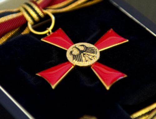 Dr. med. Frank Lehmann mit Bundesverdienstkreuz am Bande geehrt
