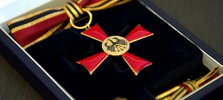 Bundesverdienstkreuz am Bande_pa