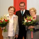 Ministerpräsident a.D. Matthias Platzeck mit Charlotte Kroll und Ilse Heinrich