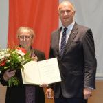 Landesordensträgerin Dr. Sibylle Badstübner-Gröger mit Ministerpräsident Dietmar Woidke, Foto Oliver Lang