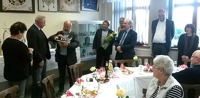 Jürgen Wels wird als Ehrenamtler des Monats geehrt.