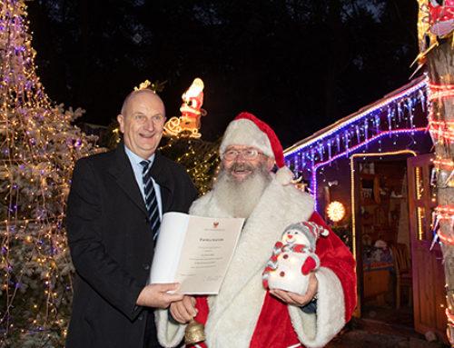 """Herr Wiefel und die Wunschzettel: Seddiner Weihnachtsmann ist """"Ehrenamtler des Monats"""" November"""