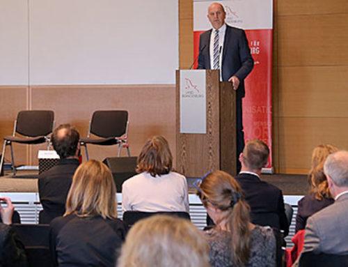 """Woidke: """"Digitalisierung birgt Chancen für bessere Vernetzung im Ehrenamt"""""""