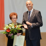 Landesordensträgerin Erna Miericke mit Ministerpräsident Dietmar Woidke, Foto Oliver Lang