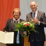 Landesordensträger Frank Zander mit Ministerpräsident Dietmar Woidke, Foto Oliver Lang