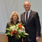 Landesordensträgerin Gabriele Schnell mit Ministerpräsident Dietmar Woidke, Foto Oliver Lang