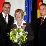 Ministerpräsident a.D. Matthias Platzeck mit Gisela Kurze