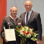 Landesordensträger Jan von Bergen mit Ministerpräsident Dietmar Woidke, Foto Oliver Lang