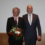 Ministerpräsident Dietmar Woidke mit Prof. Dr. Julius Schoeps
