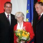 Ministerpräsident a.D. Matthias Platzeck mit Jutta Schütze