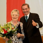 Ministerpräsident a.D. Matthias Platzeck mit Maria Pichottka