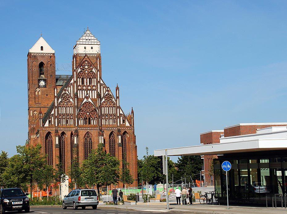 Radweg Berlin-Usedom /  Prenzlau ( Uckermark ) Marienkirche Land Brandenburg | Verwendung weltweit