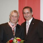 Ministerpräsident a.D. Matthias Platzeck mit Rolf-Dieter Amend