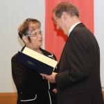 Ministerpräsident a.D. Matthias Platzeck mit Sieglinde Knudsen