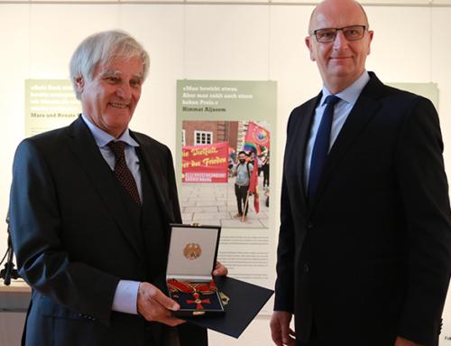 Kämpfer für Toleranz und Aufklärung – Woidke überreicht Prof. Schoeps Großes Verdienstkreuz des Verdienstordens
