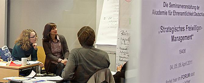 """Seminar zum Thema """"Freiwilligenmanagement"""" an der Akademie für Ehrenamtlichkeit Deutschland (Foto: ehrenamt.de)"""