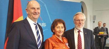 Helga Breuninger, Landrat Schröder und Ministerpräsident Woidke, Foto Günter Brüggemann