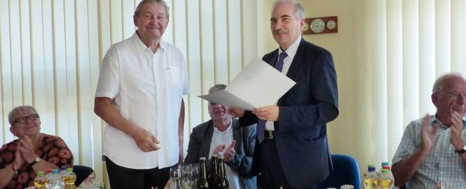 Übergabe der Urkunde für den Ehrenamtler des Monats im August 2019