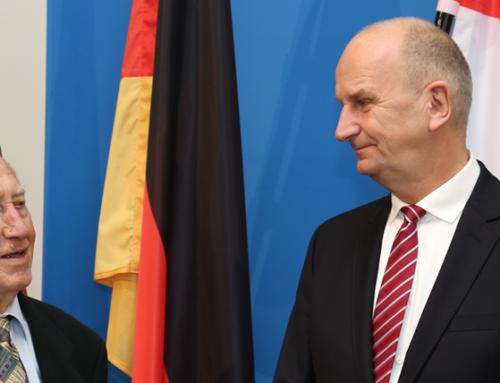 Ministerpräsident Woidke ehrt Forster Reinhard Natusch als Ehrenamtler des Monats